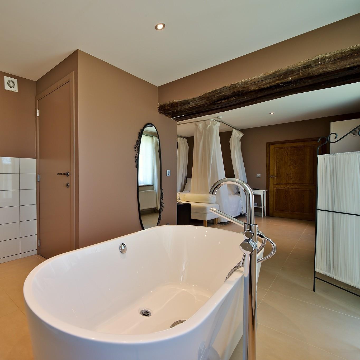 Barabas suites & chambres à thèmes du D'Arville à Wierde - Chambre à la française